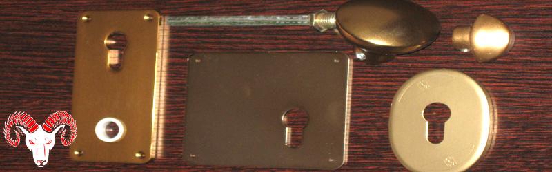 accessori-serratura-europea-maniglie-pomoli-bocchette